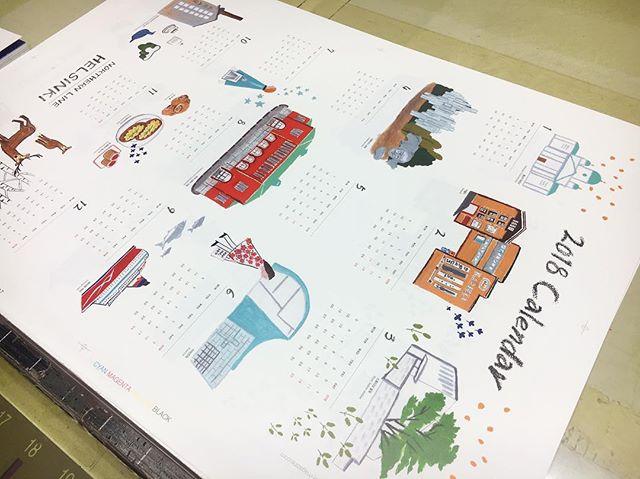 달력도 인쇄했습니다 🤗 새해 달력을 찍으니 올해가 벌써 다갔다는 생각과 내년에 벌써 나이가...;; 🙄😩 - 노던라인 헬싱키는 언리미티드 에디션9에서 제일 먼저 만나실 수 있습니다. - 12. 2-3(토-일요일) 10am-7pm 서울시립 북서울미술관 전시실 1-2 - #line #linemagazine #linemag_kor #korea #train #travel #traintravel #magazine #라인 #라인매거진 #여행 #독립출판 #노던라인 #헬싱키 #북유럽 #북유럽여행 #텀블벅 #언리미티드에디션9 #UE9