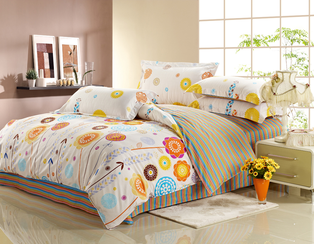 Colorful Bedding Set.jpg