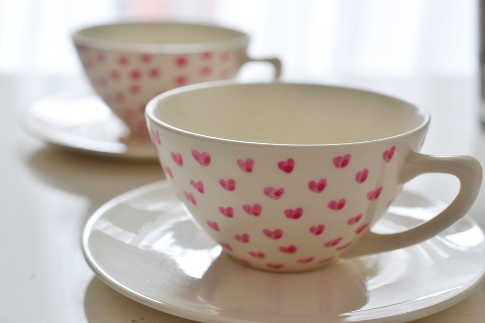 heart painted tea cups heart of gold and luxury2.jpg