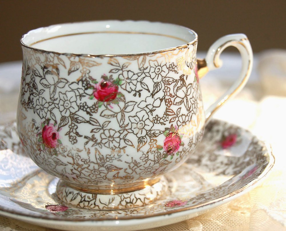 teacup gold rose 1.jpg