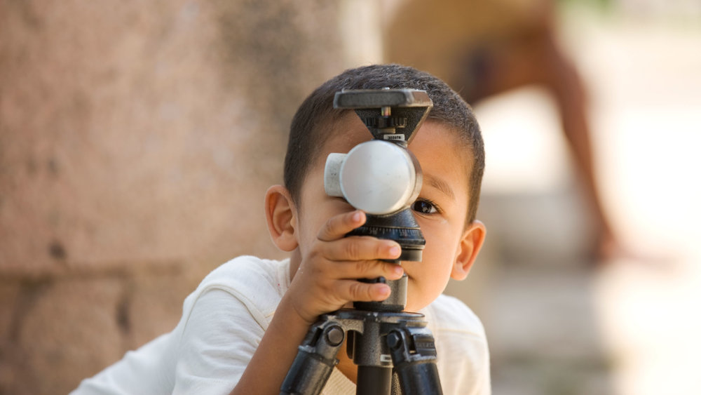 Kid-with-tripod.jpg