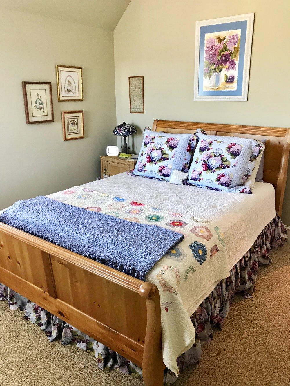 Hydrangea guest bedroom