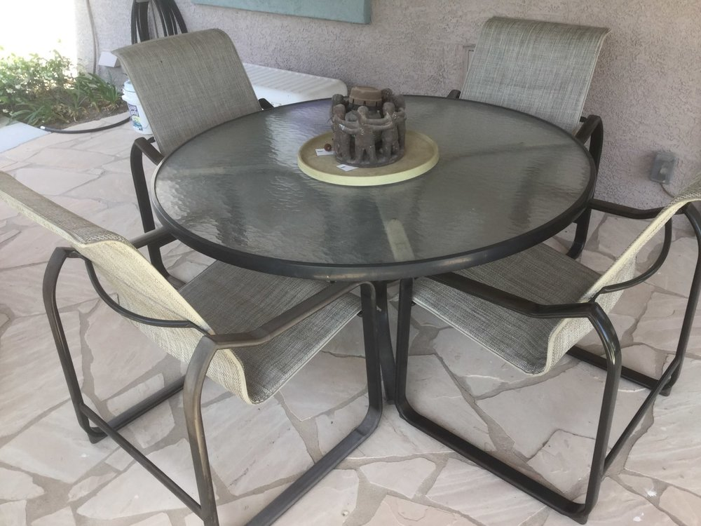 Chesapeake Dining Set in Lattice Greystone