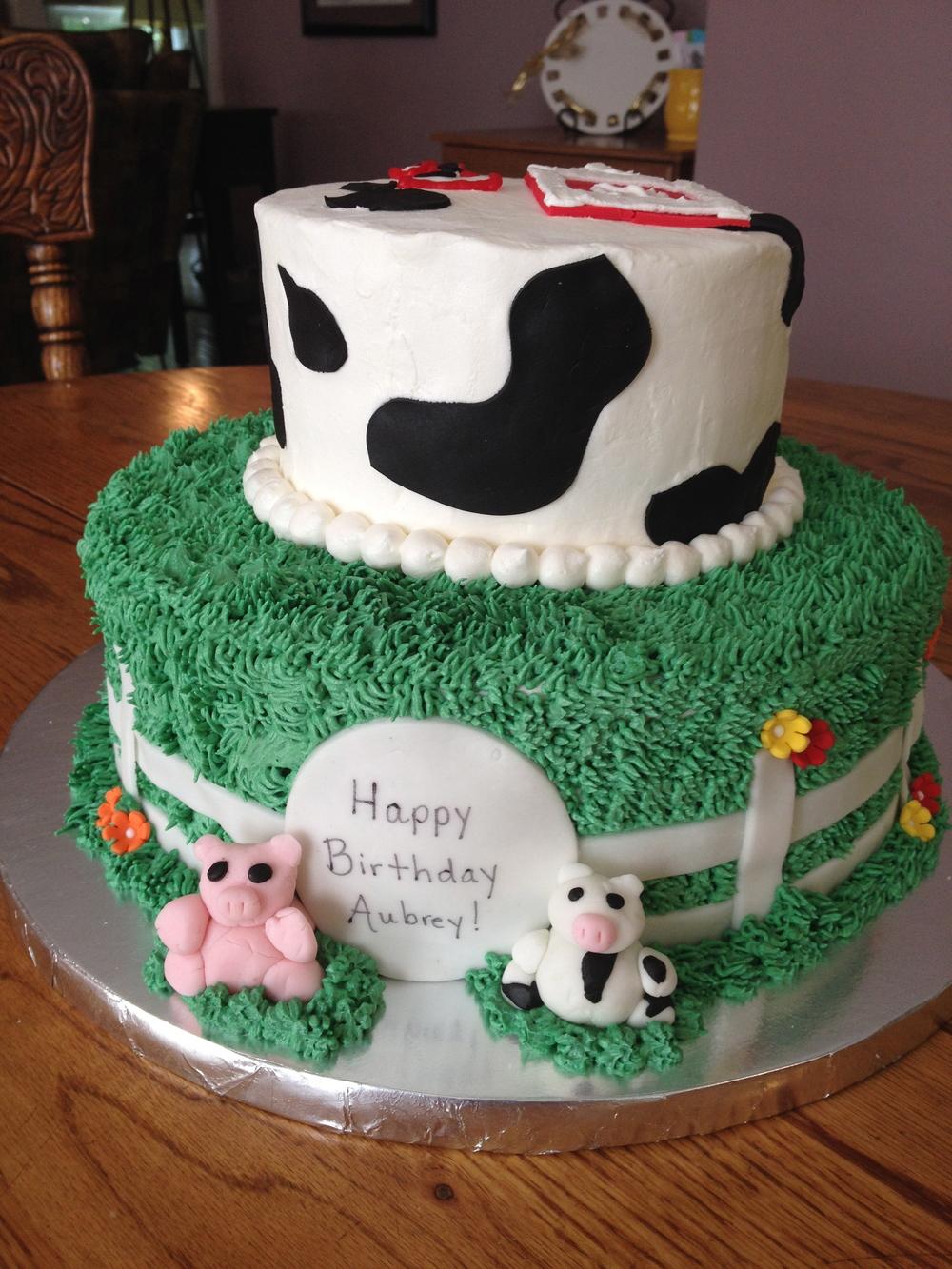 Barnyard-themed birthday cake for Aubrey