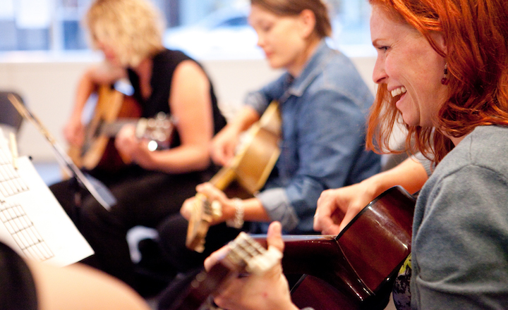 Adult Guitar Class - FOR AGES:18+ LOCATION:Palo Alto CampusSTARTS:April 9, 2019ENDS:June 25, 2019________TUITION:$490 (12 weeks)(Includes registration and materials)