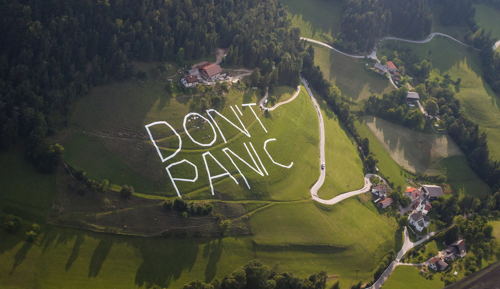 DONT PANIC - photo Rok Dezelak 2.jpg