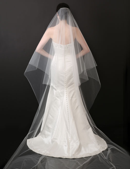V7234 Fold over cut edge cathedral veil