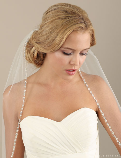 V7304 1-tier fingertip veil with beads and pearls