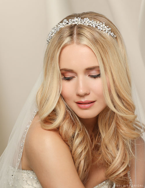 6531   Headband of rhinestones and pearl flowers