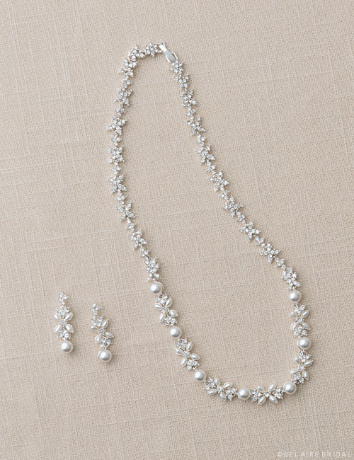 J2003 Pearl and rhinestone set