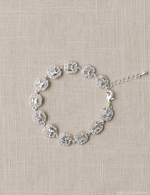 BC134   Cushion cut links bracelet