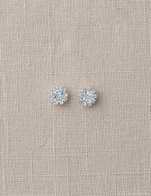 EA242 Delicate stud earrings