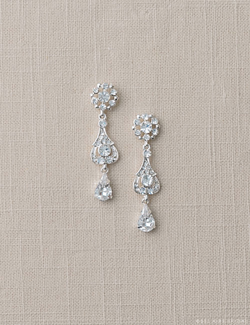 EA204 Pear shape crystal drop earrings