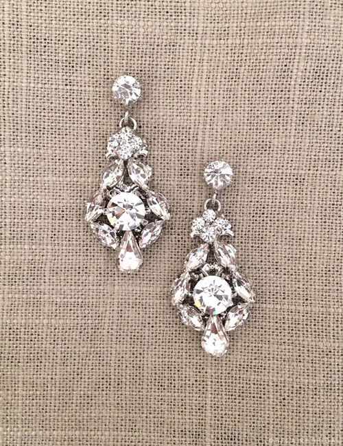 EA257 Vintage-inspired rhinestone earrings