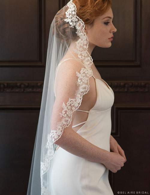 V7370   1-tier waltz length mantilla with unbeaded lace edge