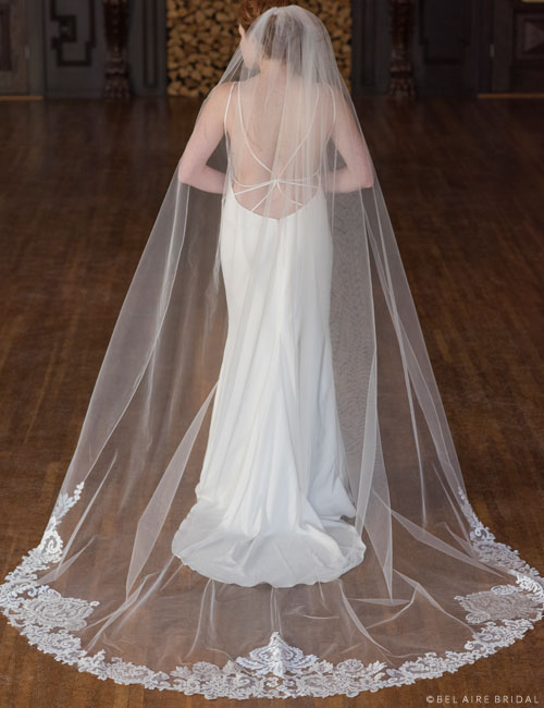 V7377C 1-tier cathedral veil with rolled edge at top sides
