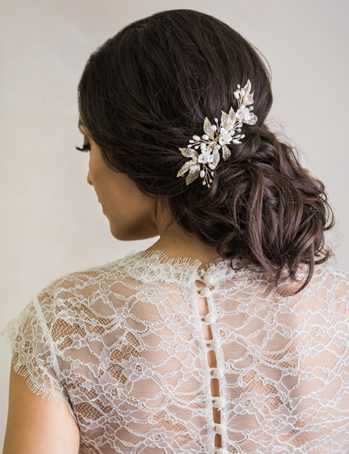 6749 Petite flower and mesh leaf comb with pearls