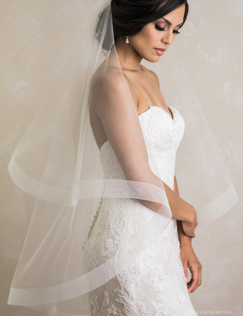 V7388   2-tier fingertip foldover veil with horsehair edge.