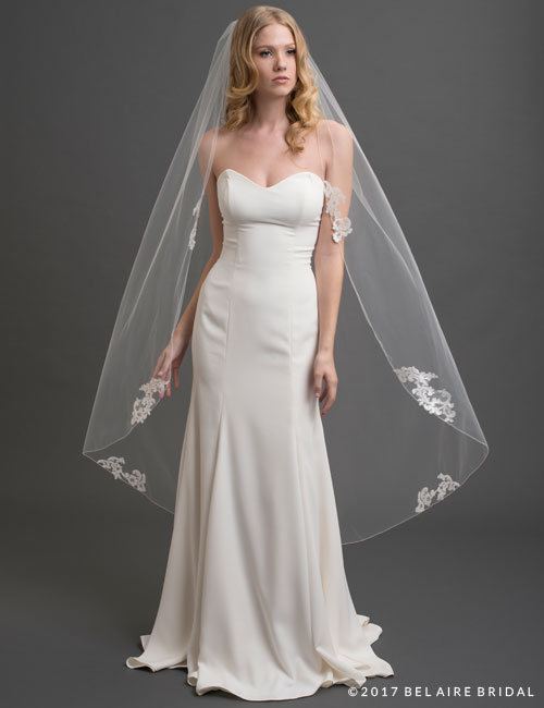 V7435   1-tier lace applique waltz veil