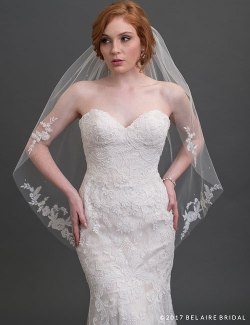 V7436 1-tier scattered lace romantic veil