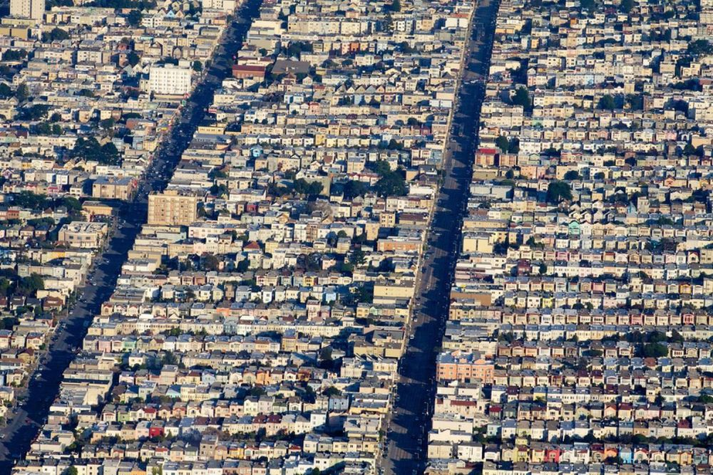 San Francisco, CA    Neat and tidy rows upon rows of pricey homes. ( via )