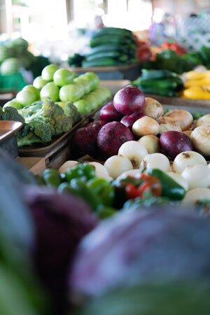 fresh-vegetable-in-market-3714083.jpg