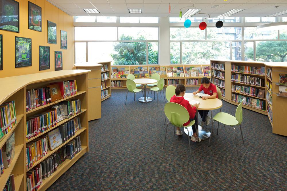 HKIS Library3.jpg