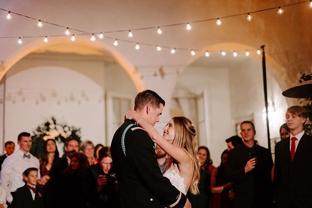 Dreamy 😍  Coordination + Design: @crownedevents Venue: @darlington_house  Photography: @karareynoldsphoto  #marketlighting #stringlights #weddinglights #weddingstringlights #weddingchairs #weddingceremony #ceremonychairs #woodchairs #wedding #sdwedding #weddinginspiration #engaged #bridetobe2019 #rusticwedding #farmtables #farmtablesandchairs #weddngrentals #eventrentals