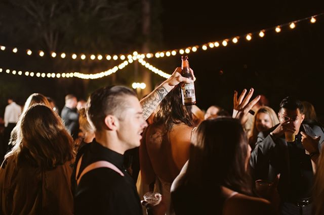 Cheers to the weekend 🙌 🍻⠀⠀⠀⠀⠀⠀⠀⠀⠀ ⠀⠀⠀⠀⠀⠀⠀⠀⠀ Photography: @baileyallisonphotography⠀⠀⠀⠀⠀⠀⠀⠀⠀ Venue: sandiegobotanicgarden ⠀⠀⠀⠀⠀⠀⠀⠀⠀ ⠀⠀⠀⠀⠀⠀⠀⠀⠀ #marketlight #stringlights #marketlighting #weddinglights #farmtables #weddingtables #rusticweddingtables #woodtables #rusticwedding #sdwedding #sandiegowedding #weddinginspiration #engaged #bridetobe2019 #weddingrentals #specialtyrentals #eventrentals #tablerentals #woodworking #weddingideas #farmtablerentals #bride #married