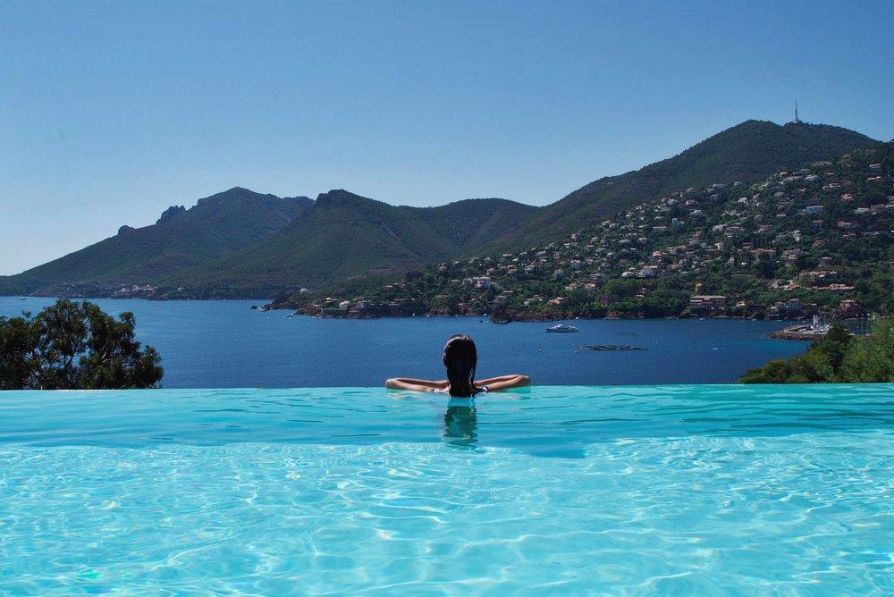13-travel-lifestyle-hotel-tiara-yaktsa-cote-dazur-disi-couture.jpg