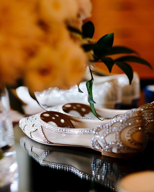 Put on your #DancingShoes, it's Saturday!! ——— As a #WeddingPhotographer I pride myself on paying attention to the details. And when the bride and/or #WeddingPlanner do as well, we get to #CreateMagic ✨