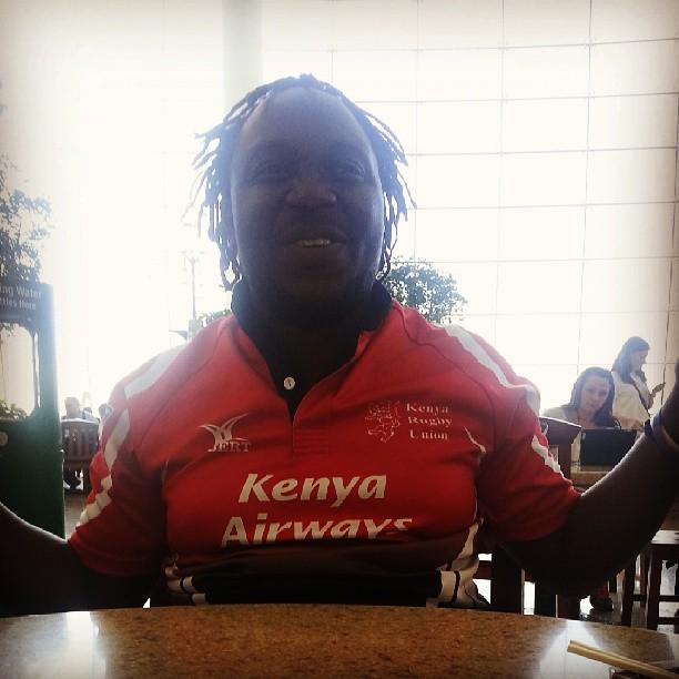 lebogo :     Mwaki spotted at SEATAC. #middlebury #mobrfc