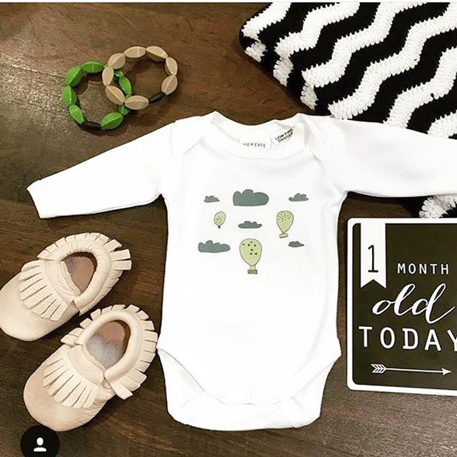 @funkykidsoz thank you so much for this gorgeous flatlay with our popular balloon onesie. Perth mums if you haven't been able to get hold of one, our lovely stockist @funkykidsoz might still have them 😉 ps: they come in preemie sizes too 💕 #meandtataorganic