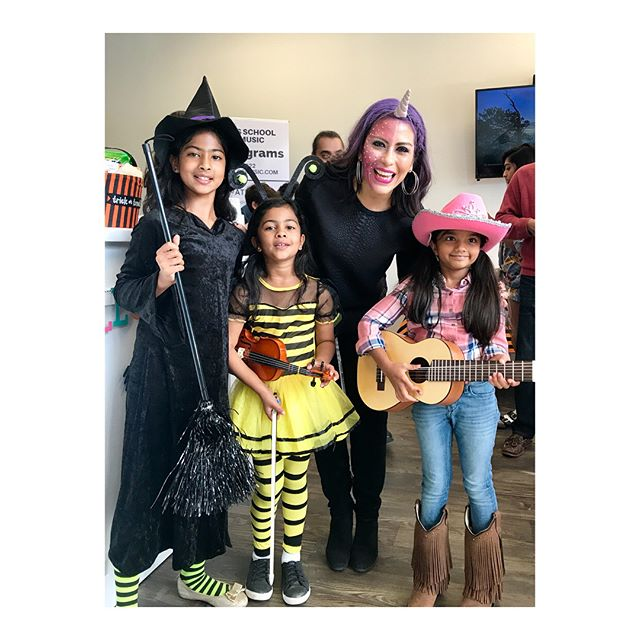 These are my wonderful students who participated in @rojasschoolofmusic costume recital 🎃 We had a blast!!! 🕺🏻 #musicschool #halloween2017 #loveteachingkids #grapevine