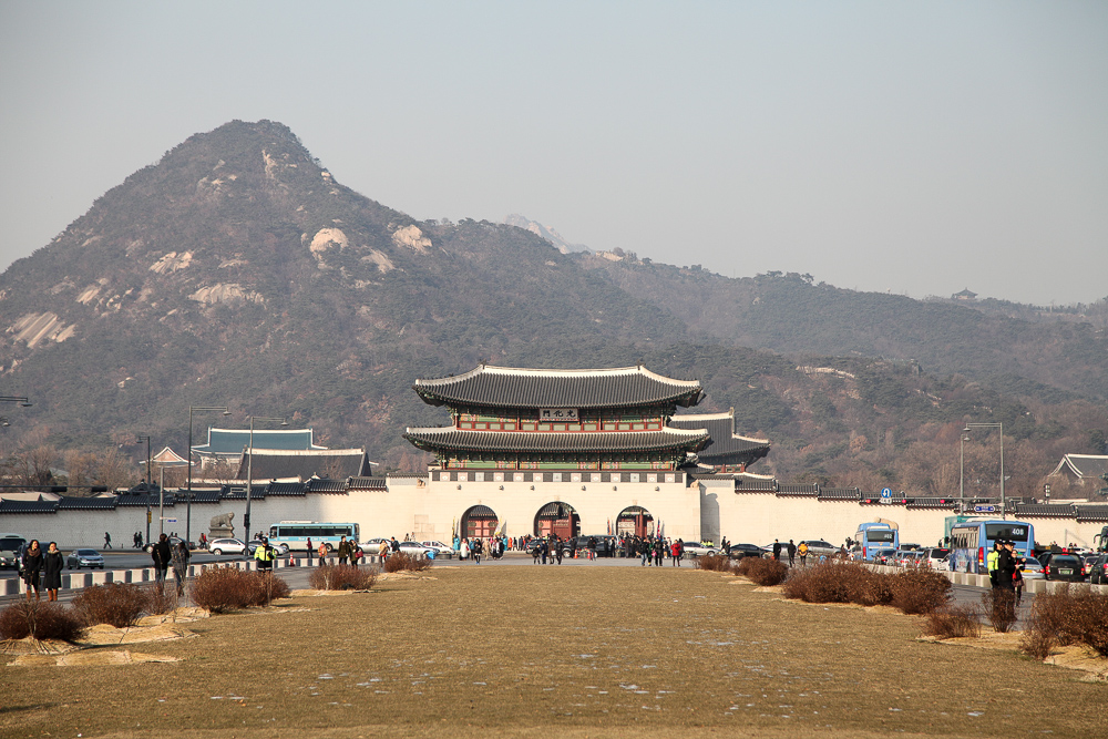 Gyeongbokgung Palace in front of the Bukhansan Mountain.