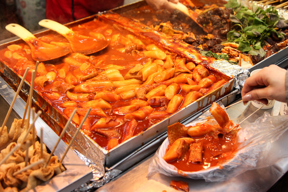 1. Stir-fried Ricecakes - 떡볶이 (tteokbokki)