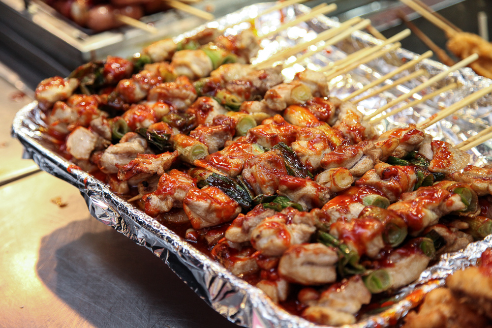 7. Chicken skewers - 닭꼬치 (dakkotchi)