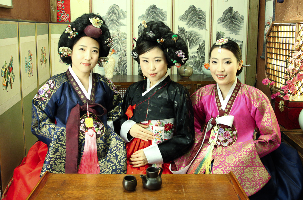 royal giseng hanbok