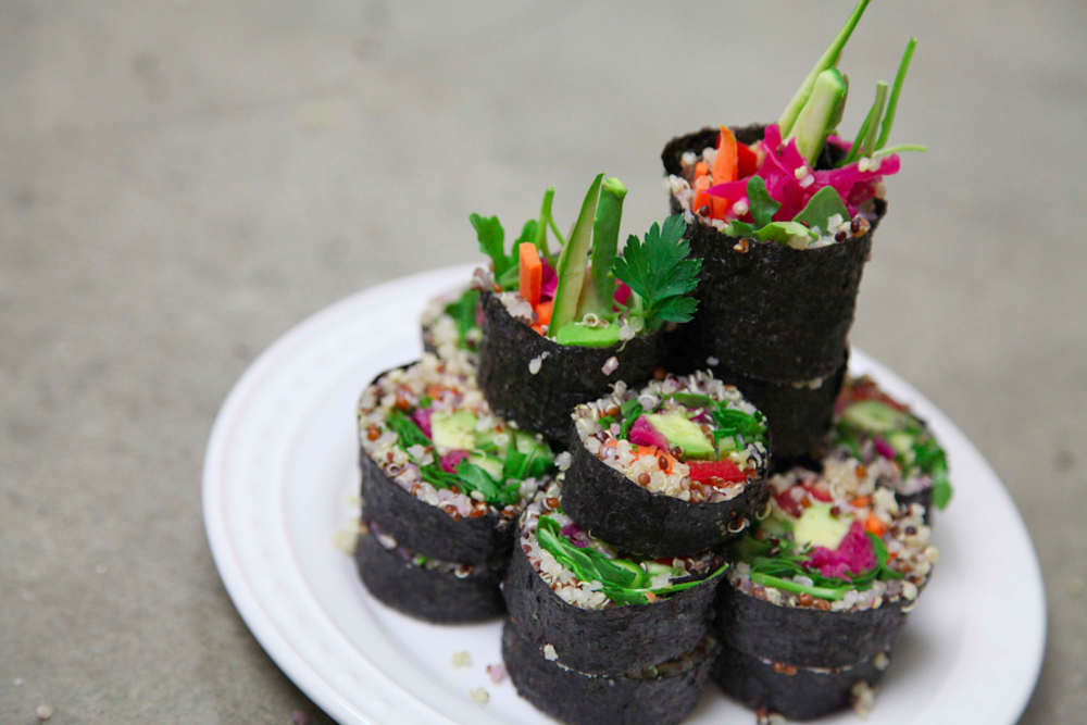 vegan-kimchi-kimbap-recipe-5-plating1-SMALLER-1024x683.png