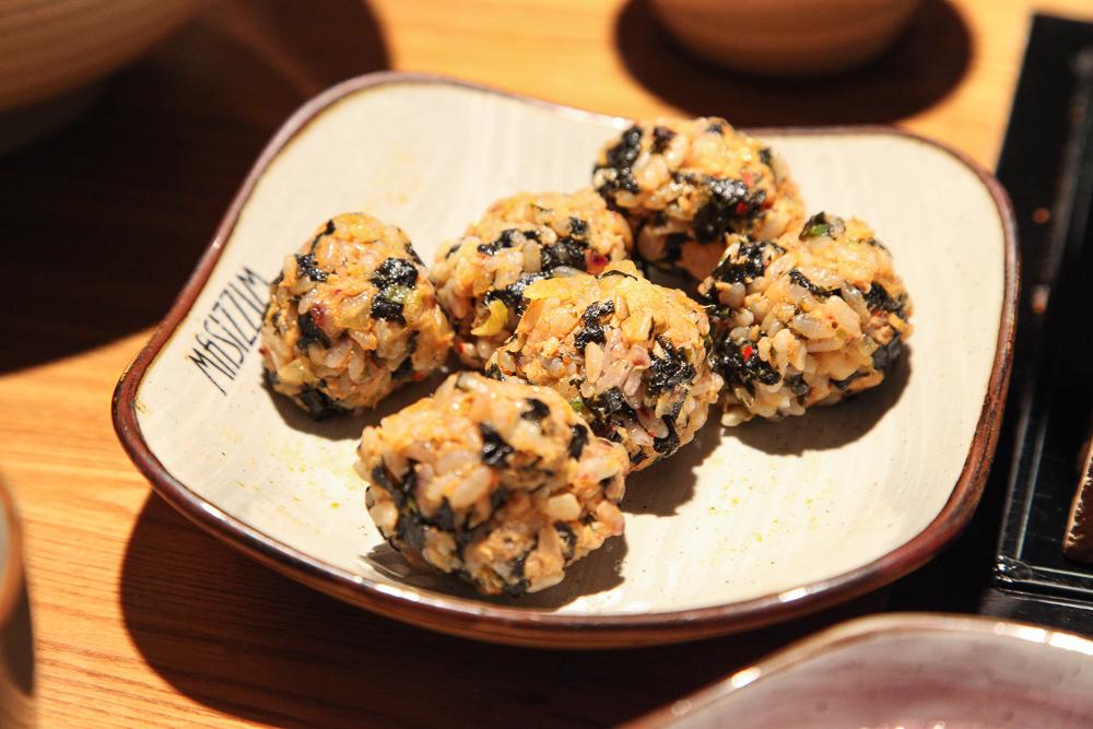 rice balls seaweed
