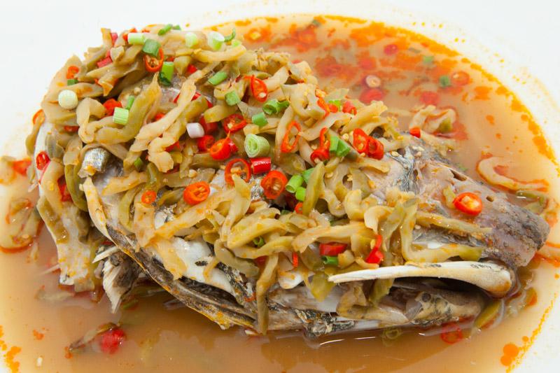 四川小辣椒蒸马友鱼 Hot & Spicy Fish Head