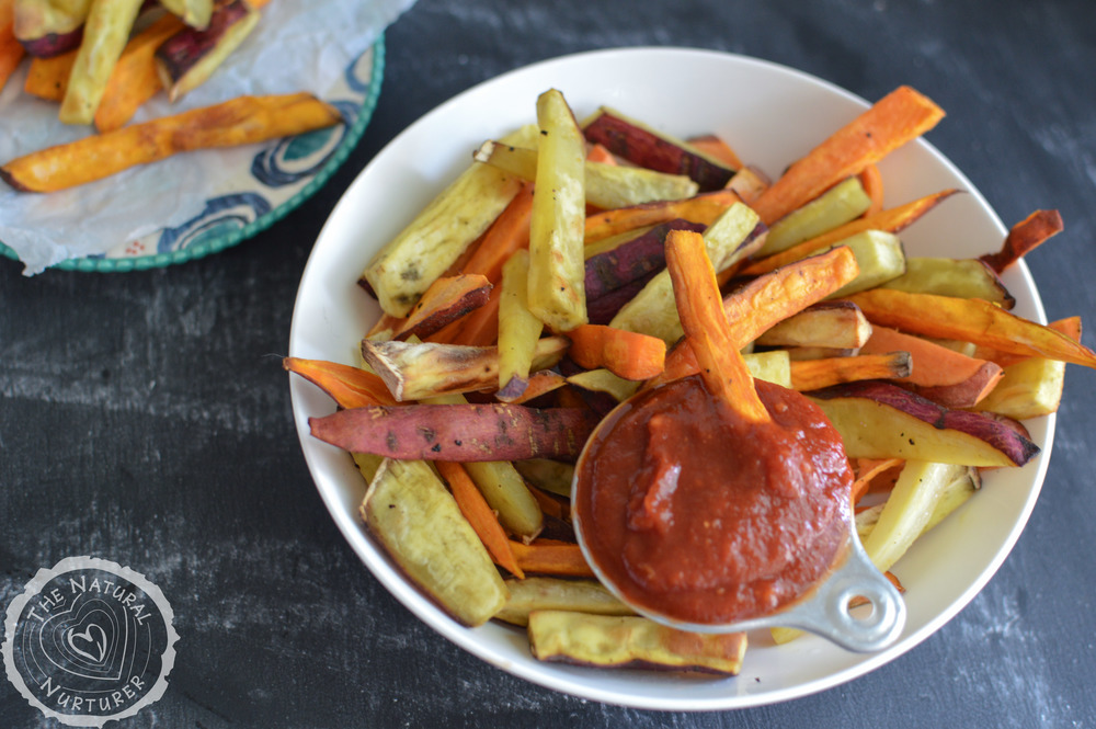 Baked sweet potato fries with homemade ketchup