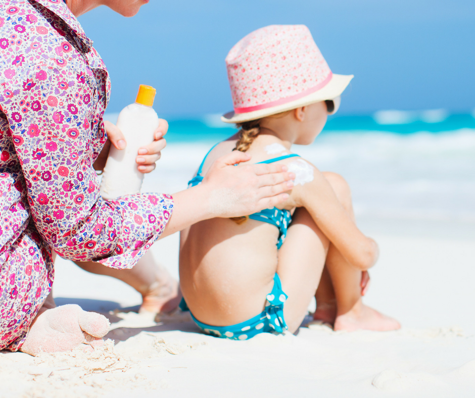 What Ingredients to Avoid In Sunscreen + 4 Non-Toxic Sunscreens