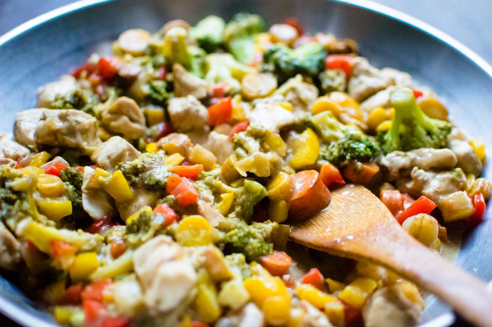 Healthy One-Skillet Teriyaki Chicken & Veggie Stir Fry