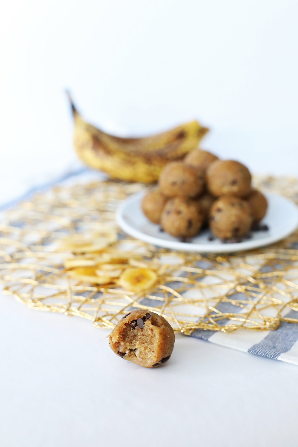Banana Chocolate Chip Energy Balls