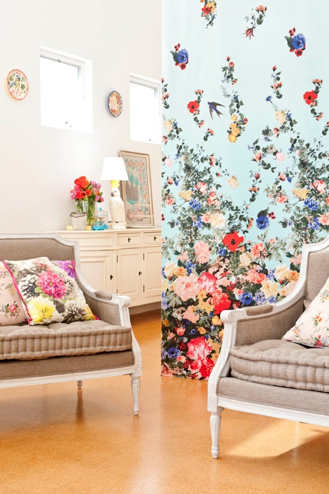 floral wallcovering.jpg