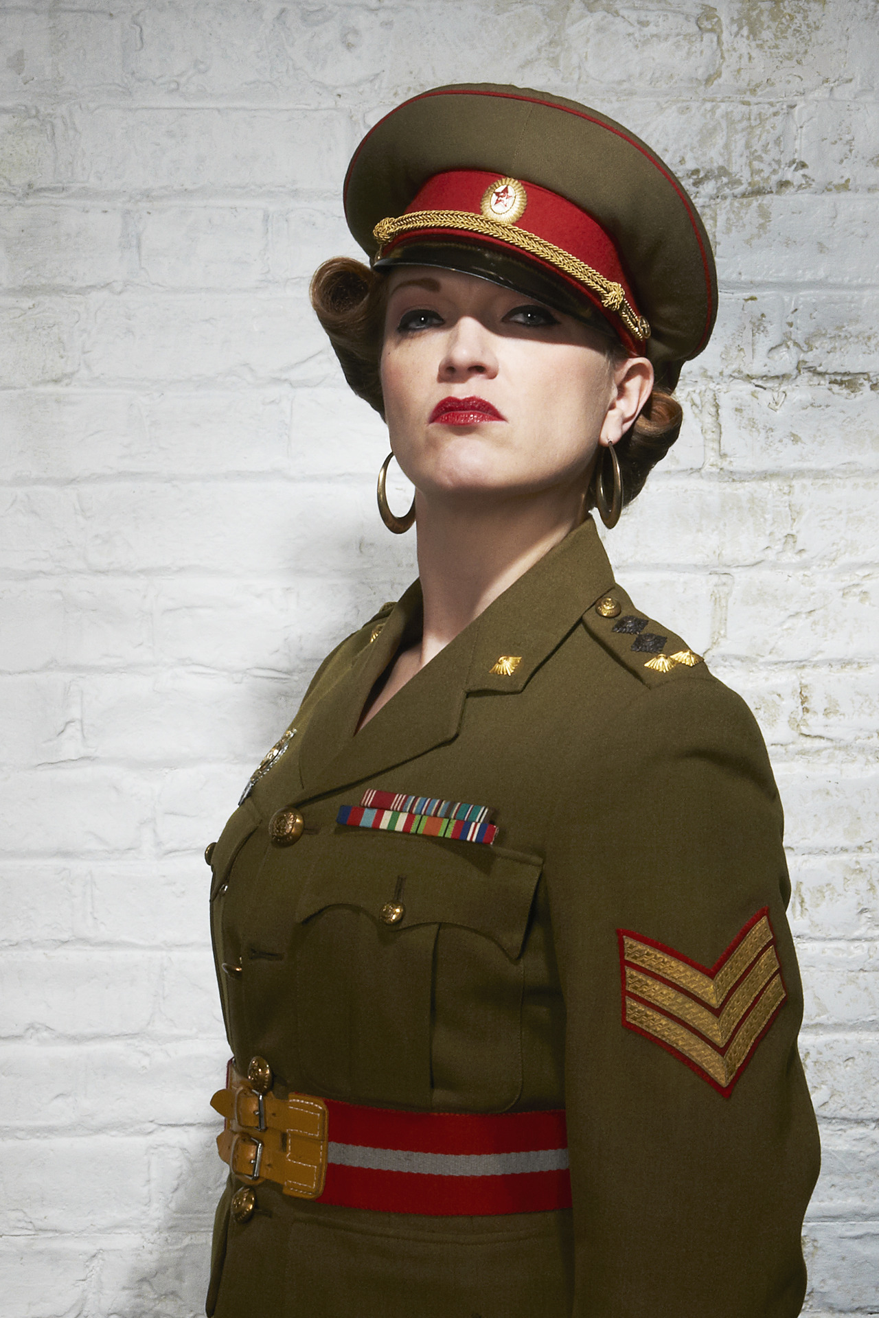 Photographing the superbly charismatic Stephanie Ware in full army costume. Steph had been busking with her ukulele on Broadway Market in the morning, and I had to get her in front of camera in her full get-up, resulting in a really fun and interesting series of shots.