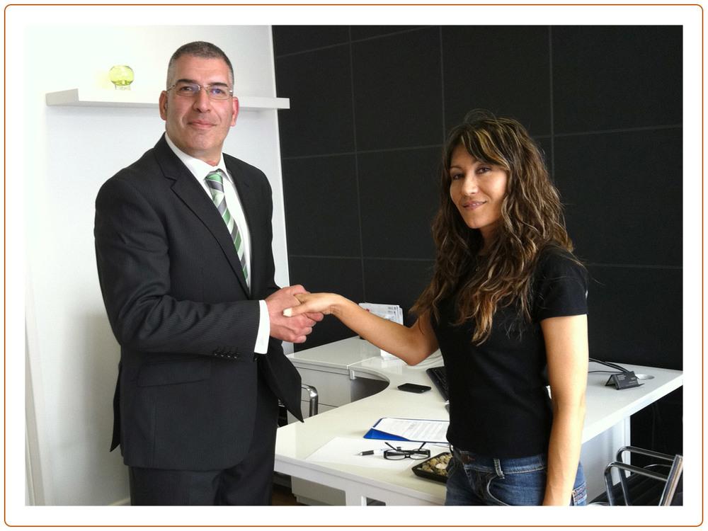 Handshake_12.jpg