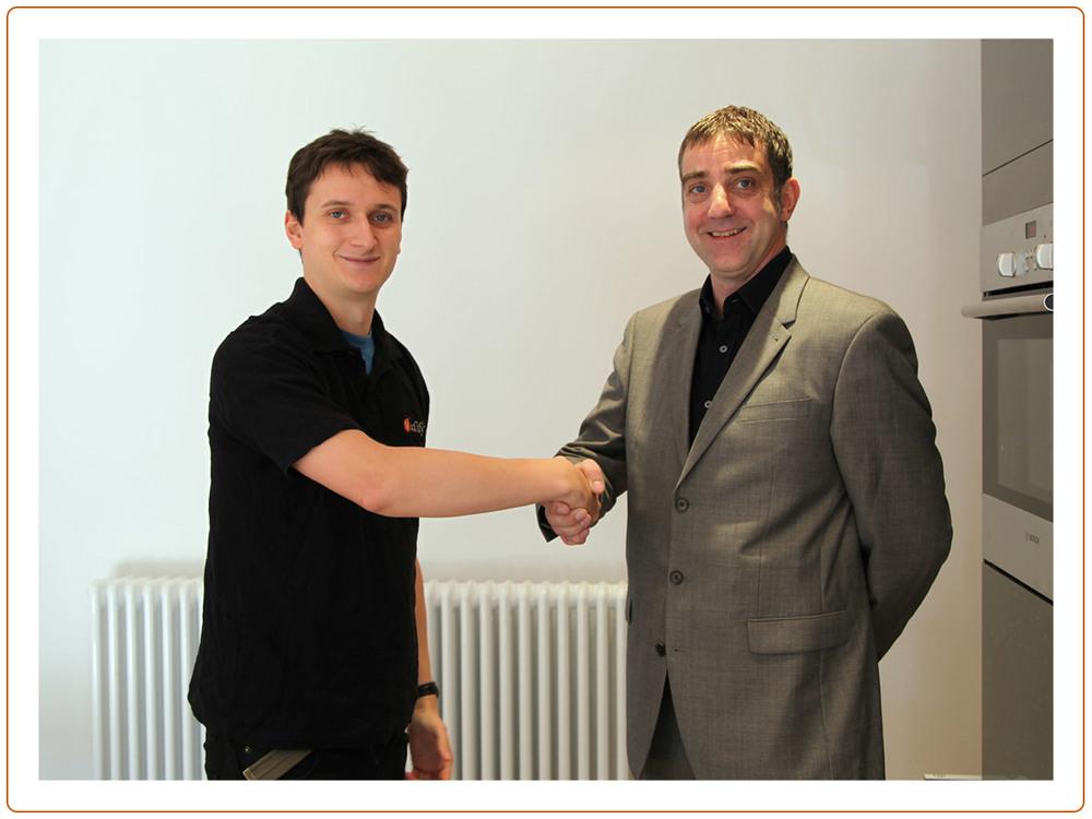 Handshake_09.jpg