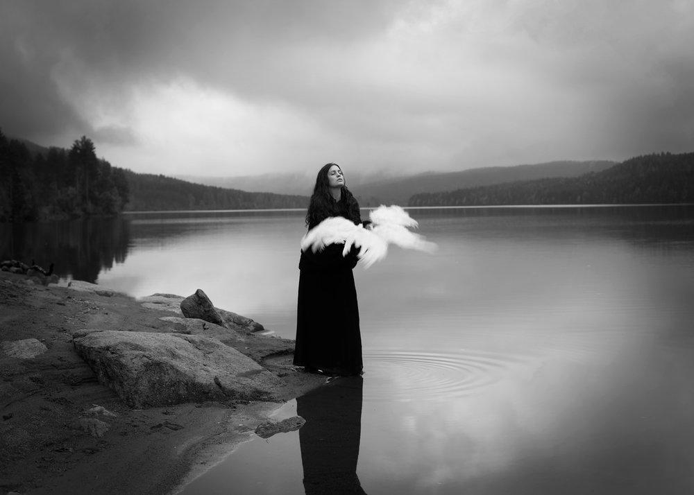 BETWEEN INTERVALS - Maren Elize Klemp